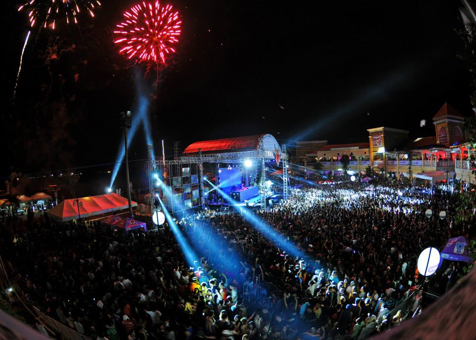Other Side Of Sinulog: Cebu Turns Into A Big Party Zone