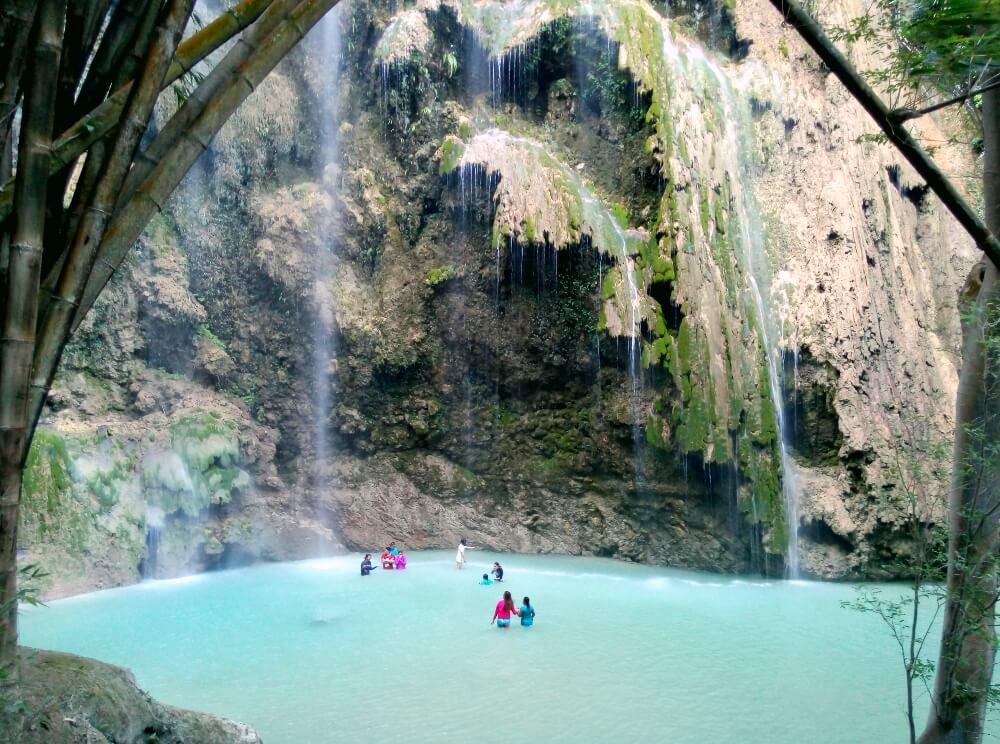 TUMALOG FALLS. This beautiful falls is located in Oslob, southern Cebu ...