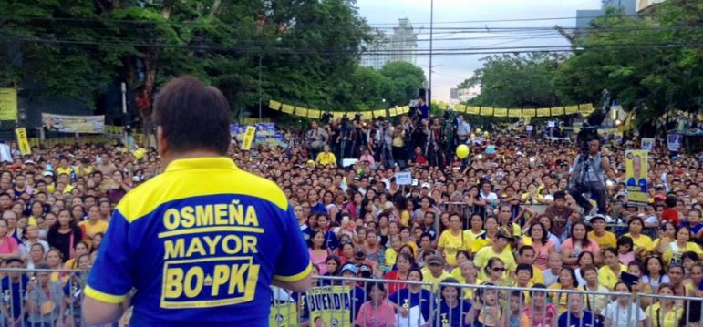 YELLOW ARMY. BOPK's Tommy Osmena addresses a crowd estimated at 8,000 during a rally at Capitol. (Photo from Tommy Osmena's official FB page)