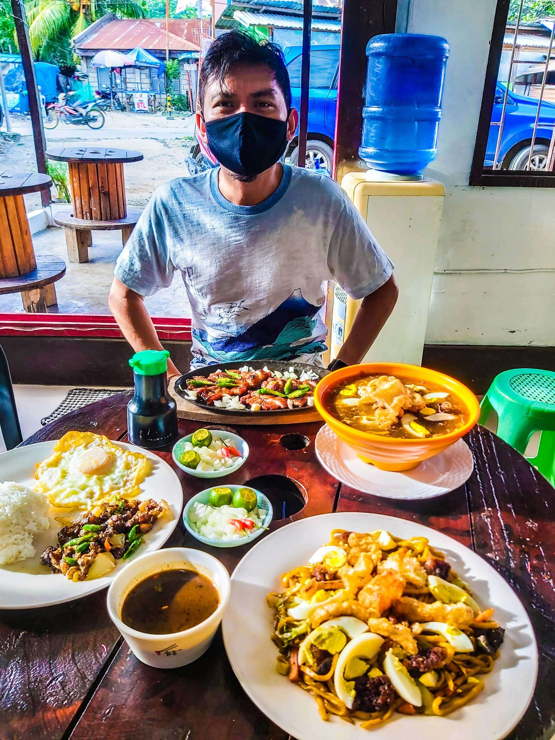 Lomi Boss is open air - which is perfect for the pandemic times that we're living in.